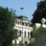 PETICE: Lidé chtějí zachování názvu náměstí před ruským velvyslanectvím v Praze