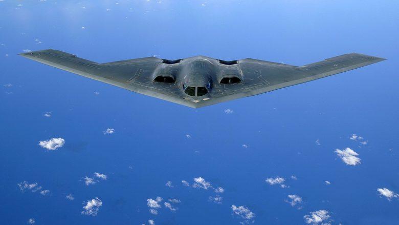 Americký strategický bombardér B-2 Spirit; Foto: Letectvo USA / Wikimedia Commons
