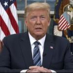 KORONAVIRUS: USA promrhaly 50 dnů a nyní hledají obětního beránka