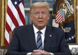 Americký prezident Donald Trump oznamuje vypuknutí nákazy koronaviru 11. března 2020; Foto: Bílý dům / Wikimedia Commons