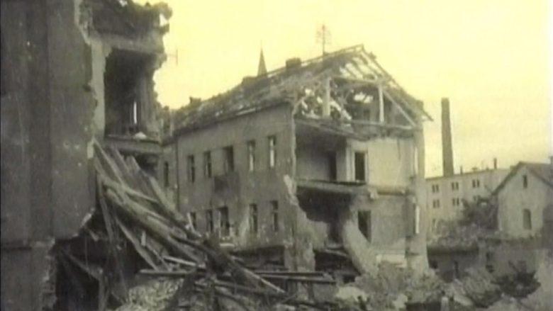 Kralupy nad Vltavou po ničivém bombardování v březnu 1945; Foto: Repro Youtube, Město Kralupy nad Vltavou
