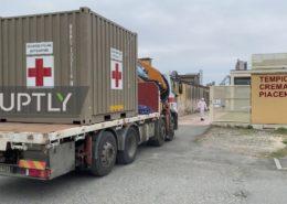 VIDEO: Krematorium v Itálii zřizuje nouzové chladící kontejnery pro mrtvé na koronavirus