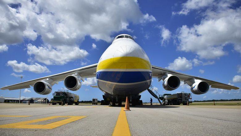 Velkokapacitní transportní letoun Antonov AN-124; Foto: Vitorinostudio / Wikimedia Commons