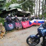 POCTA HRDINŮM: Noční vlci opět přijeli uctít památku osvoboditelů