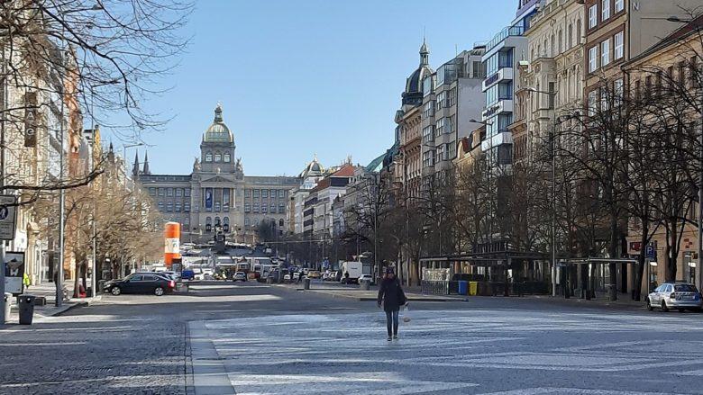 Václavské náměstí v Praze bez turistů; Foto: Svenkaj / Wikimedia Commons