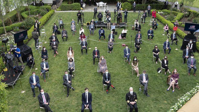 Tisková konference v Bílém domě během koronavirové krize; Foto: Bílý dům / Wikimedia Commons