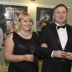 POSLANEC ODS s manželkou přijali dar za 210 tisíc od Fotbalové asociace