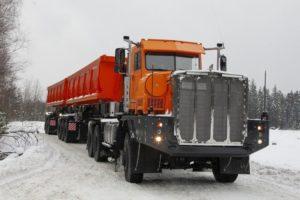 Ruský těžkotonážní nákladní automobil Tonar 7502; Foto: Tonar