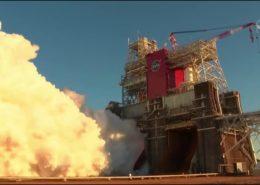 VIDEO: Motor americké rakety pro let na Měsíc při testu selhal