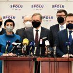 KOMENTÁŘ: Opozice si vzala občany jako rukojmí