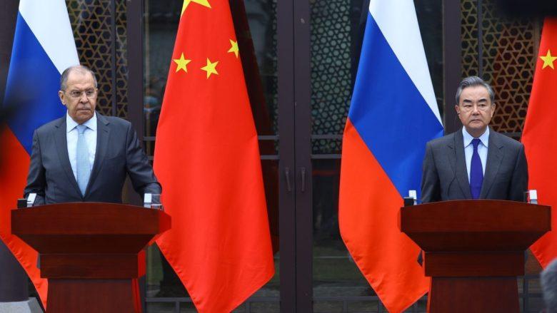 Sergej Lavrov na návštěvě Číny; Foto: Ruská ambasáda v USA