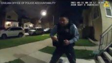 """VIDEO: """"Proč na mě střílíte?"""" Policie v Chicagu zveřejnila záběry vraždy mladíka"""