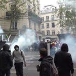 VIDEO: Ve Francii se protestovalo za sociální spravedlnost. Policie použila slzný plyn