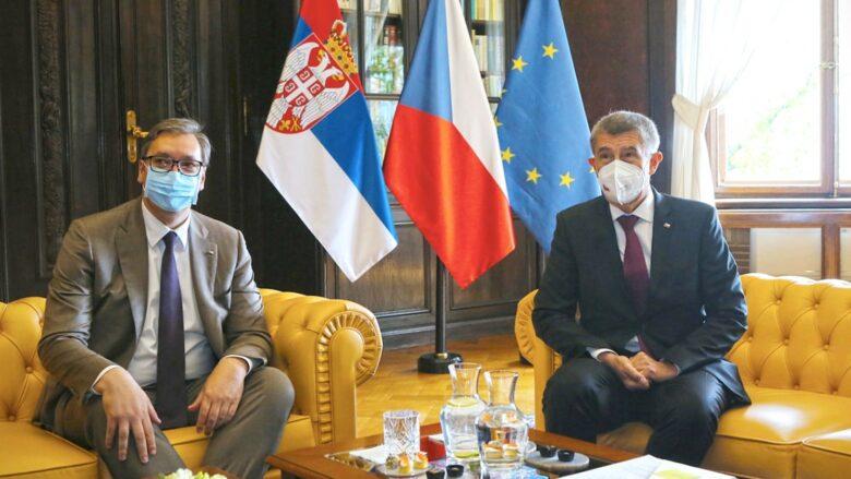 Srbský prezident Aleksandar Vučič s premiérem Andrejem Babišem při jednání v Praze; Foto: Profil A. Babiše na sociální síti