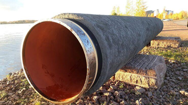 Část potrubí plynovodu Nord Stream k vidění v Kotce ve Finsku; Foto:  Vuo / Wikimedia Commons