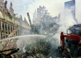 Trosky po útoku 11. září 2001; Foto: Wikimedia Commons