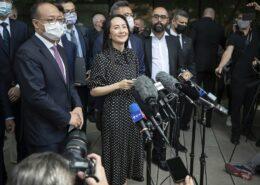 VIDEO: Kanada propustila zadržovanou finanční ředitelku firmy Huawei