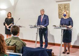 Tisková konference po zasedání vlády; Foto: Profil Vlády ČR na sociální síti